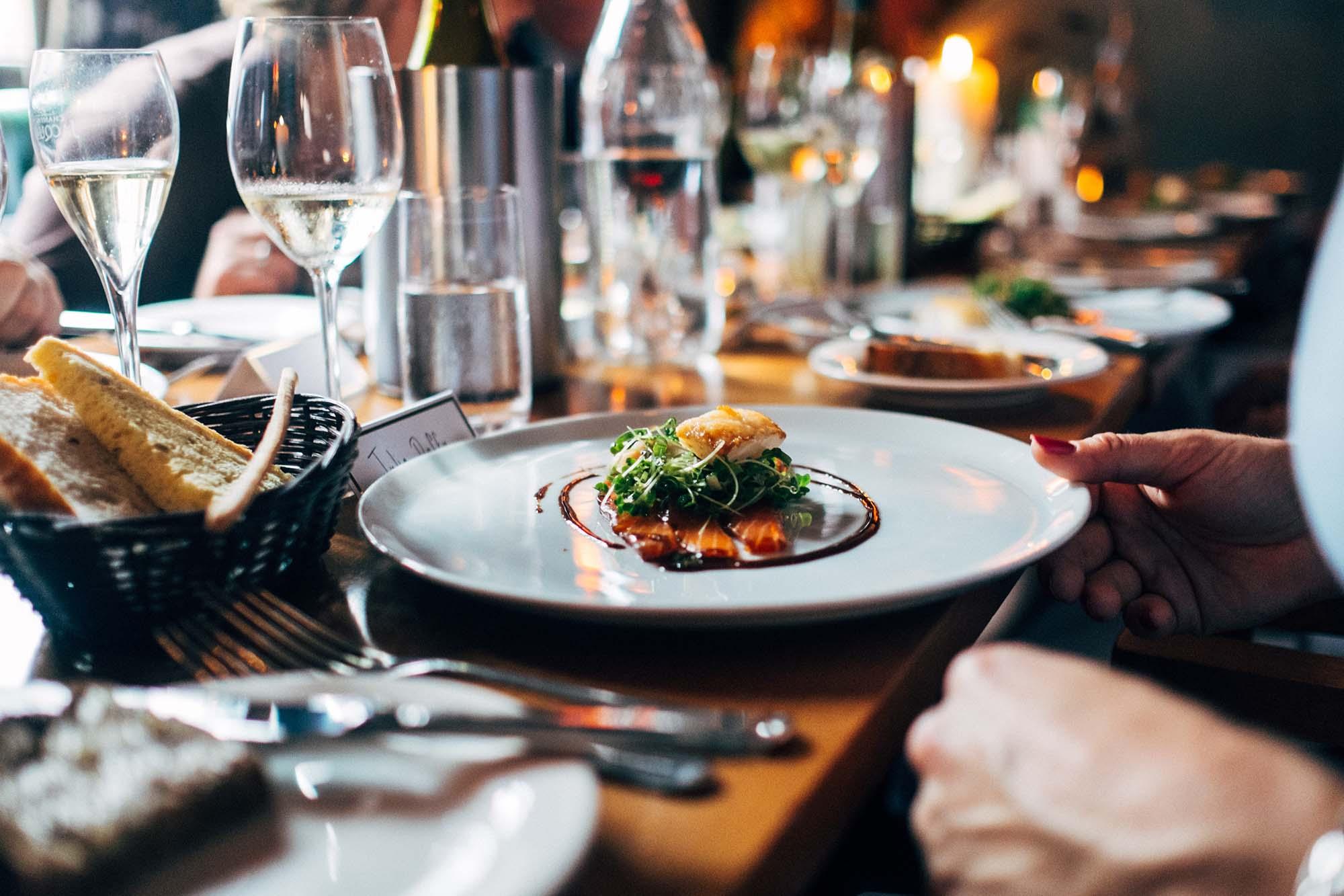 Réservations UNIQUEMENT pour les repas sur place